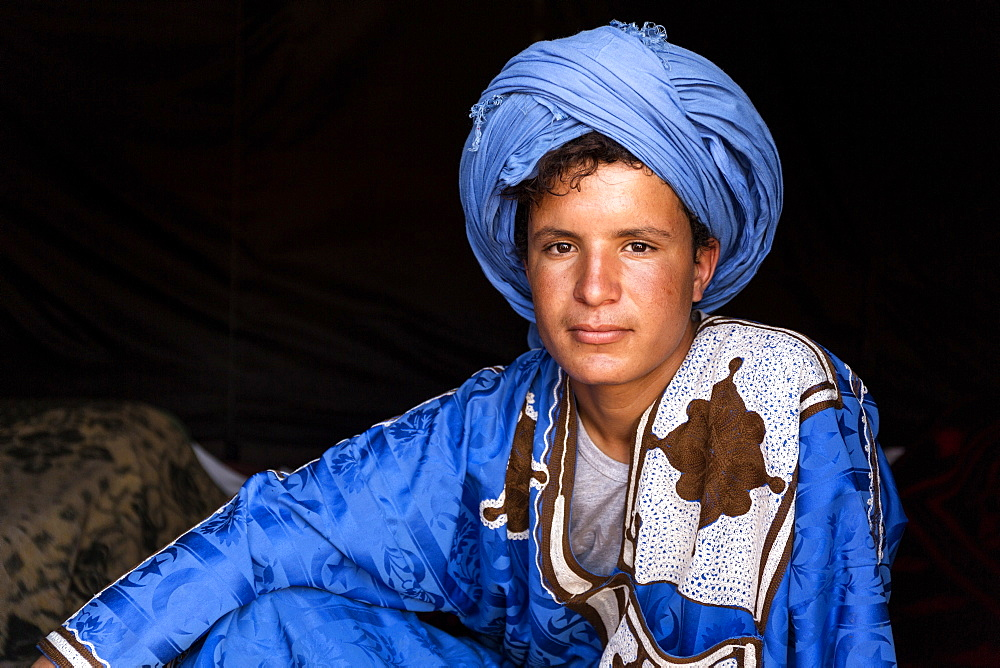 Portrait of young Berber camel leader, Merzouga, Morocco, North Africa, Africa - 321-5872