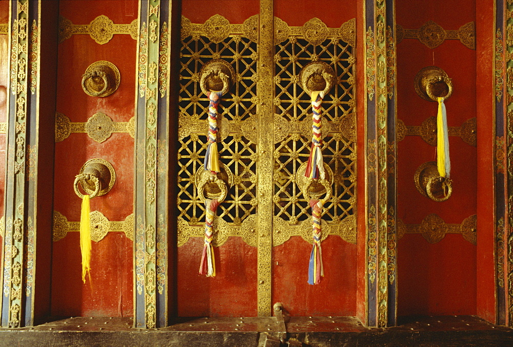 Detail of door in the Potala Palace, UNESCO World Heritage Site, Lhasa, Tibet, China, Asia
