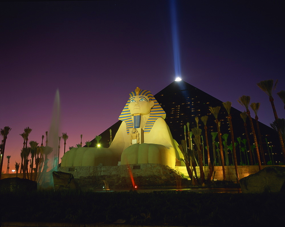 Luxor hotel at night, Las Vegas, Nevada, United States of America, North America