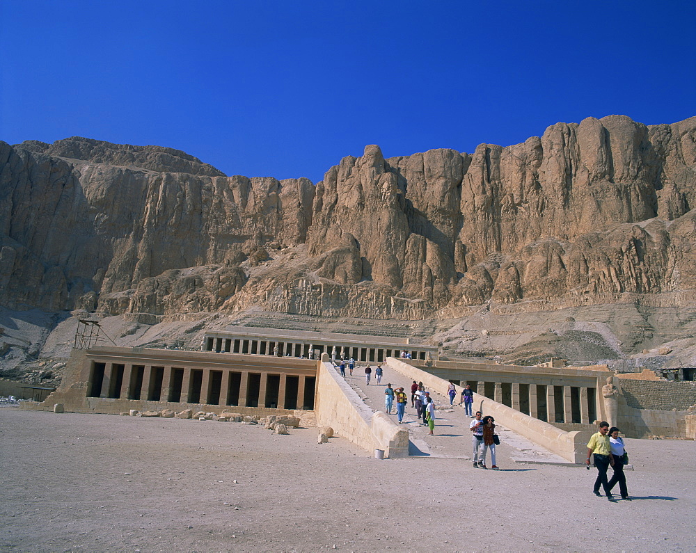 Queen Hatshepsut's Temple, Deir el Bahri, Thebes, UNESCO World Heritage Site, Egypt, North Africa, Africa