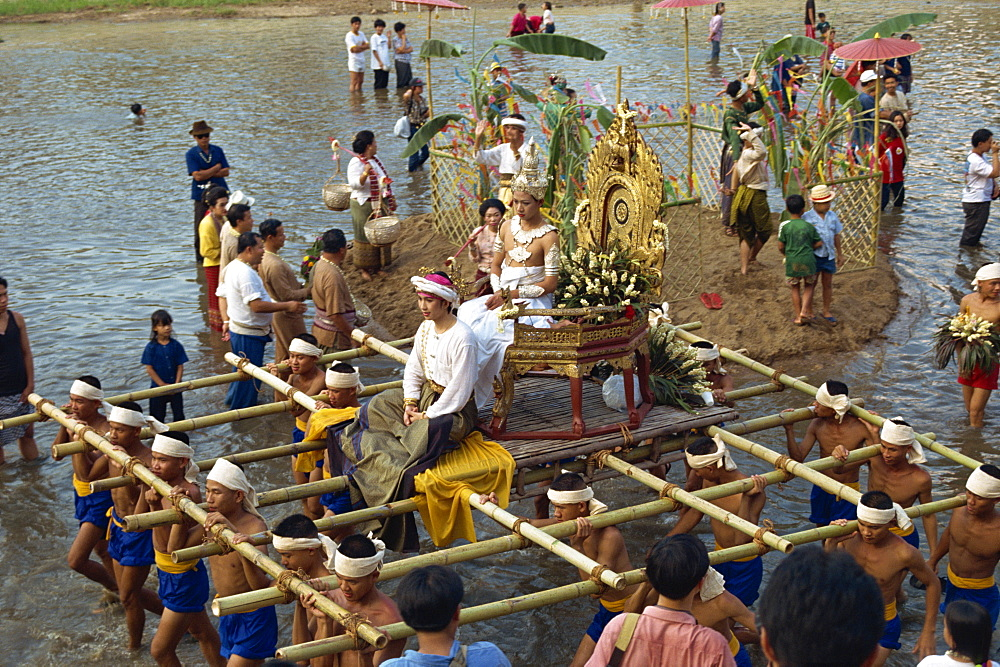 People taking part in the Water Festival parade, Salung Luang, Lampang, Thailand, Southeast Asia, Asia