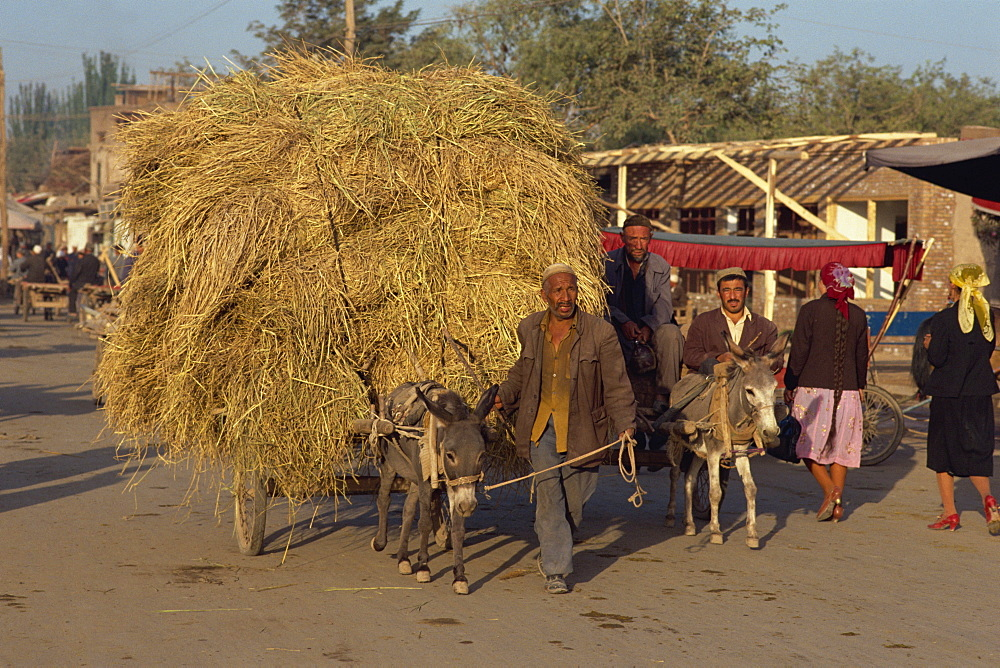 Arriving at Sunday Market, Kashgar, China, Asia