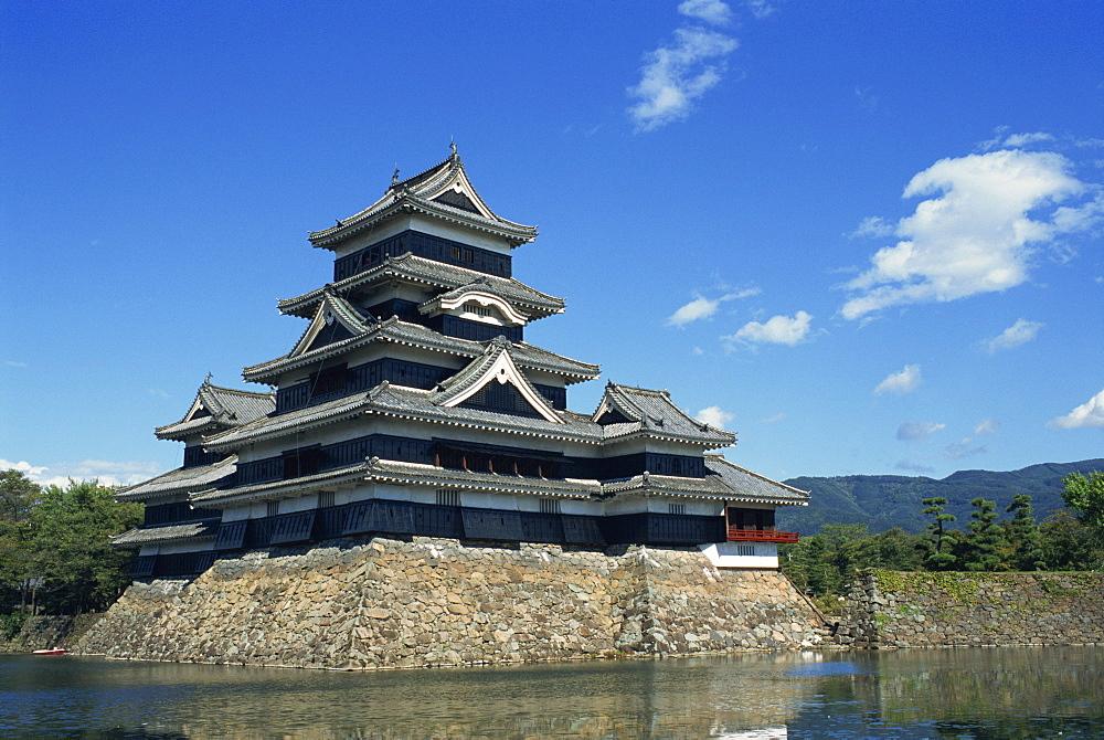 Matsumoto-jo castle at Matsumoto in Japan, Asia