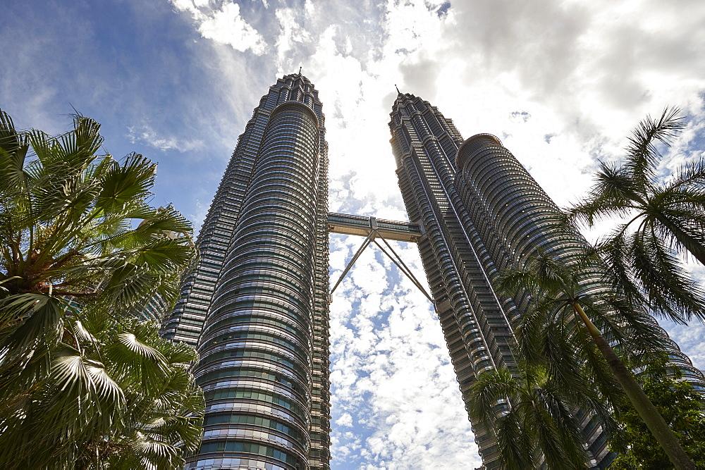 Petronas Towers, Kuala Lumpur, Malaysia, Southeast Asia, Asia - 358-575