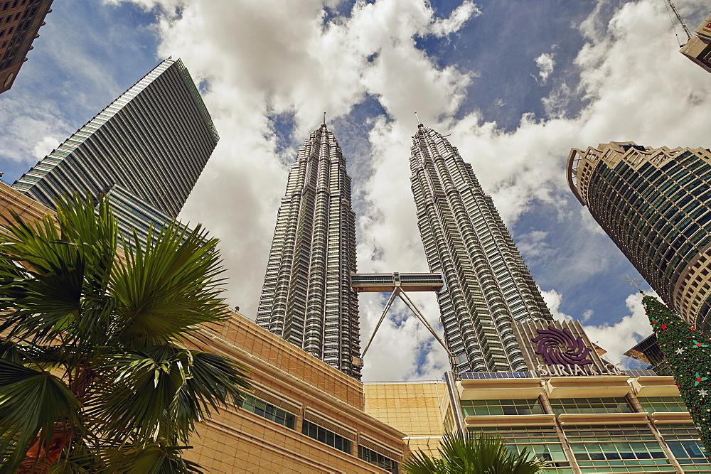 Petronas Towers, Kuala Lumpur, Malaysia, Southeast Asia, Asia - 358-577