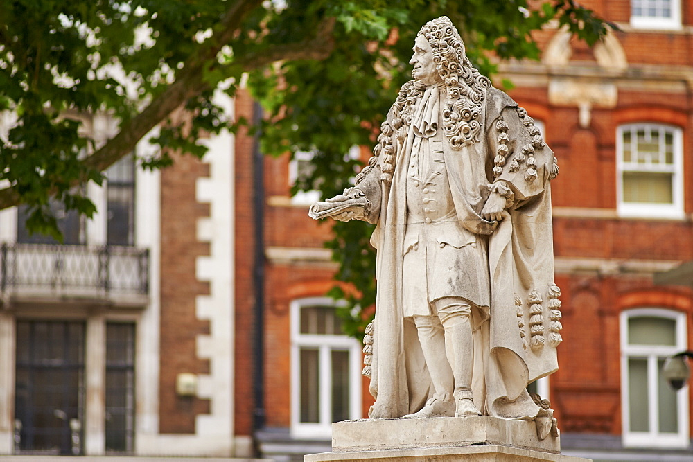 Statue of Sir Hans Sloane, 1660-1753, by Simon Smith, 2007, at Duke of York's Square, Chelsea, London, England, United Kingdom, Europe - 358-626