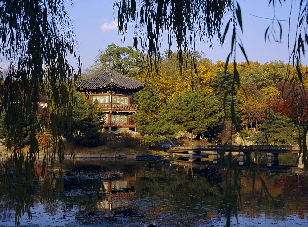 Hyang-Wonjong Pavilion, Kyongbok Palace, Seoul, South Korea, Korea, Asia