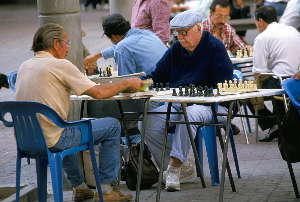 Men playing chess, Sabana Grande district, Caracas, Venezuela, South America
