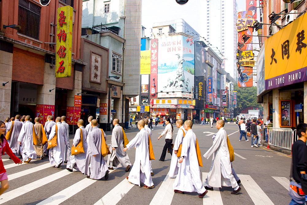 Dafo Buddhist temple monks, Guangzhou (Canton), Guangdong, China, Asia
