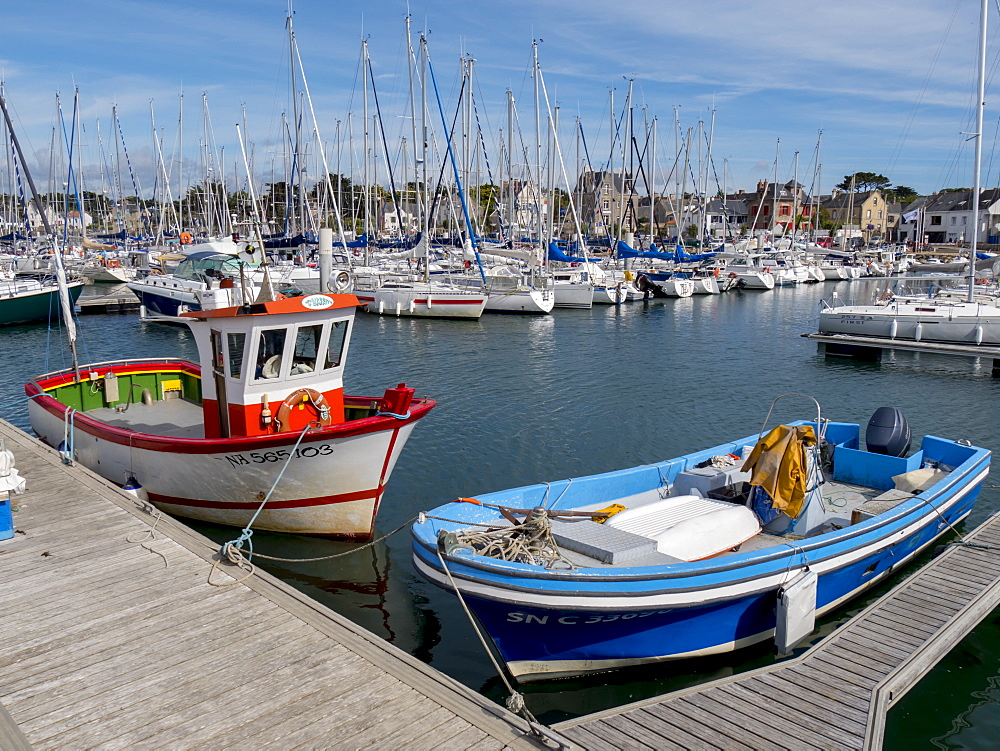 Harbour and waterfront of Piriac, Morbihan, Brittany, France, Europe - 367-6214