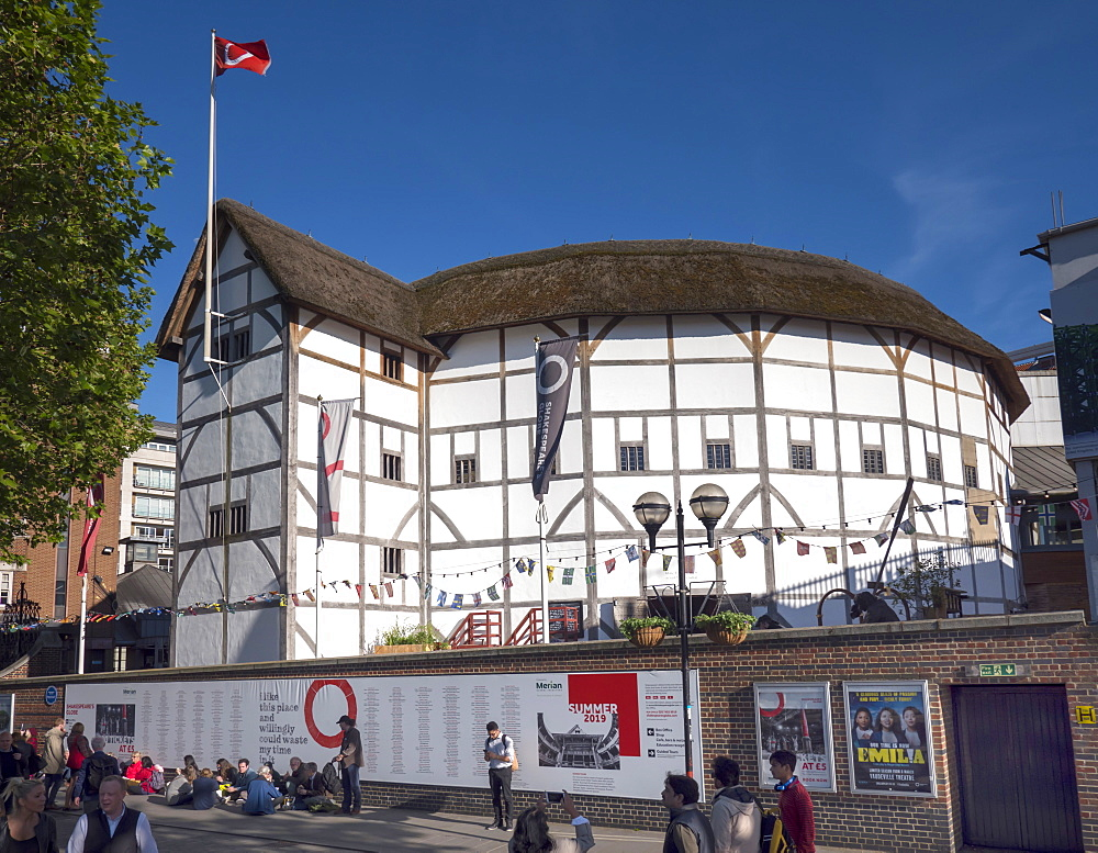 Globe Theatre, South Bank, London, England, United Kingdom, Europe - 367-6245