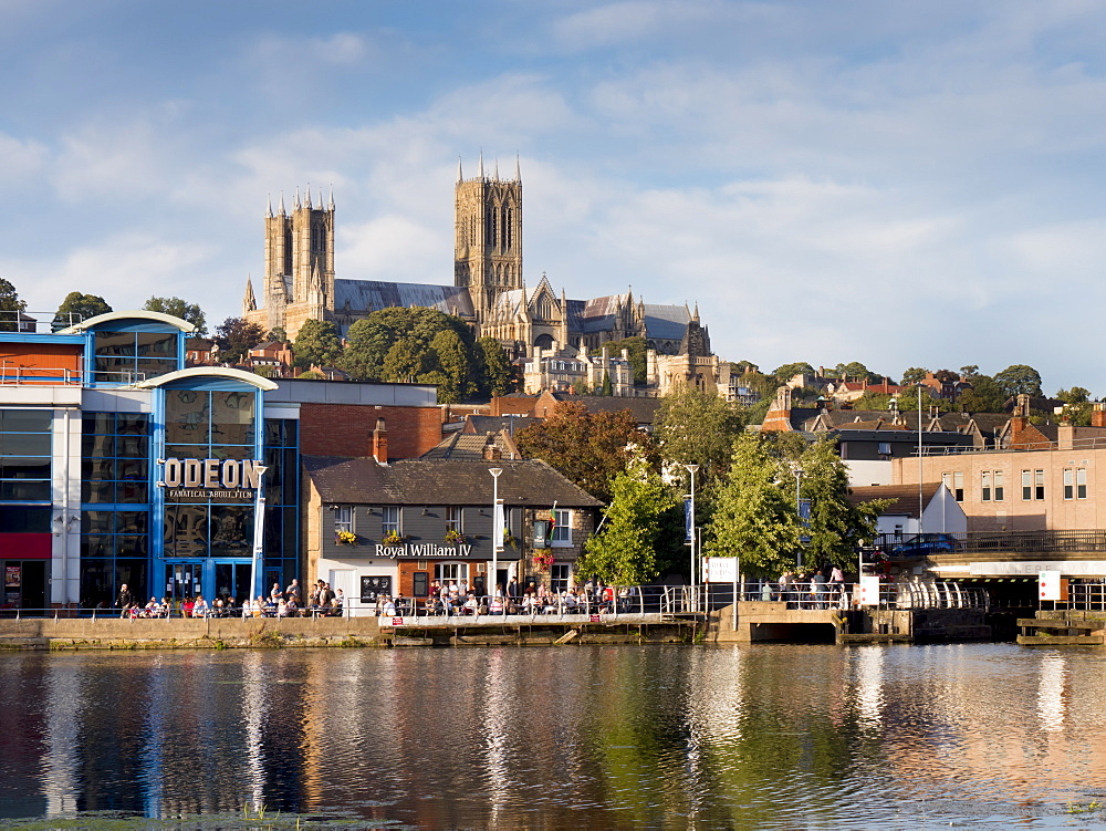 Lincoln Cathedral and Brayford pool, Lincoln, Lincolnshire, England, United Kingdom, Europe - 367-6272