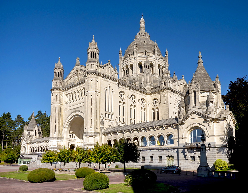 Basilica of Sainte-Therese de Lisieux, Lisieux, Calvados, Normandy, France, Europe