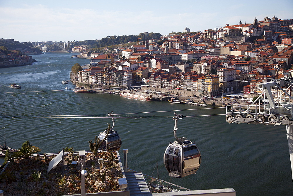 River Douro and old town of Ribeira, Porto, Portugal, Europe
