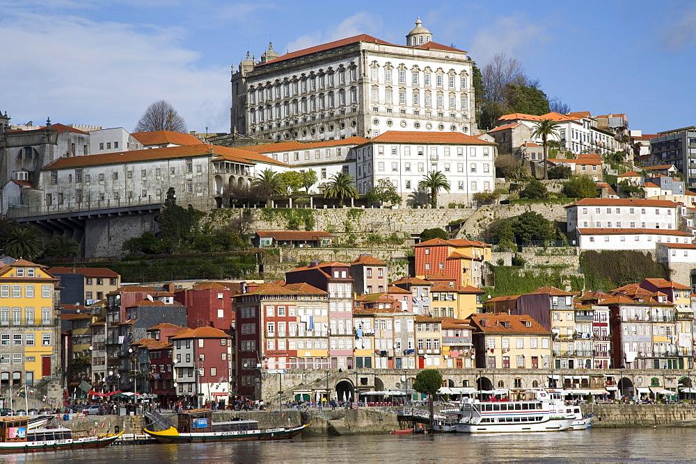 Cais de Ribeira waterfront, Ribeira, Oporto, Portugal, Europe - 375-710