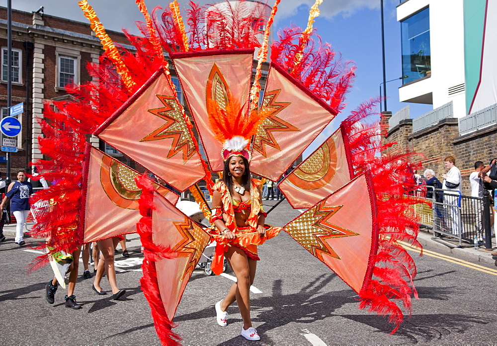 Female participant at the 2012 Notting Hill Carnival, Notting Hill, London, England, United Kingdom, Europe - 377-3911