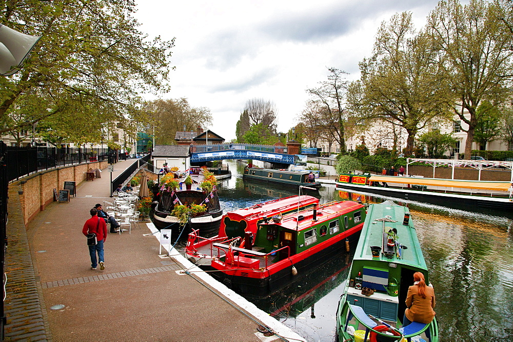 View along the Grand Union Canal, Little Venice, Maida Vale, London, England, United Kingdom, Europe - 377-3933