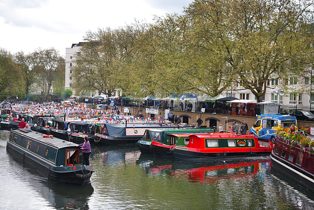 Houseboats on the Grand Union Canal, Little Venice, Maida Vale, London, England, United Kingdom, Europe - 377-3934