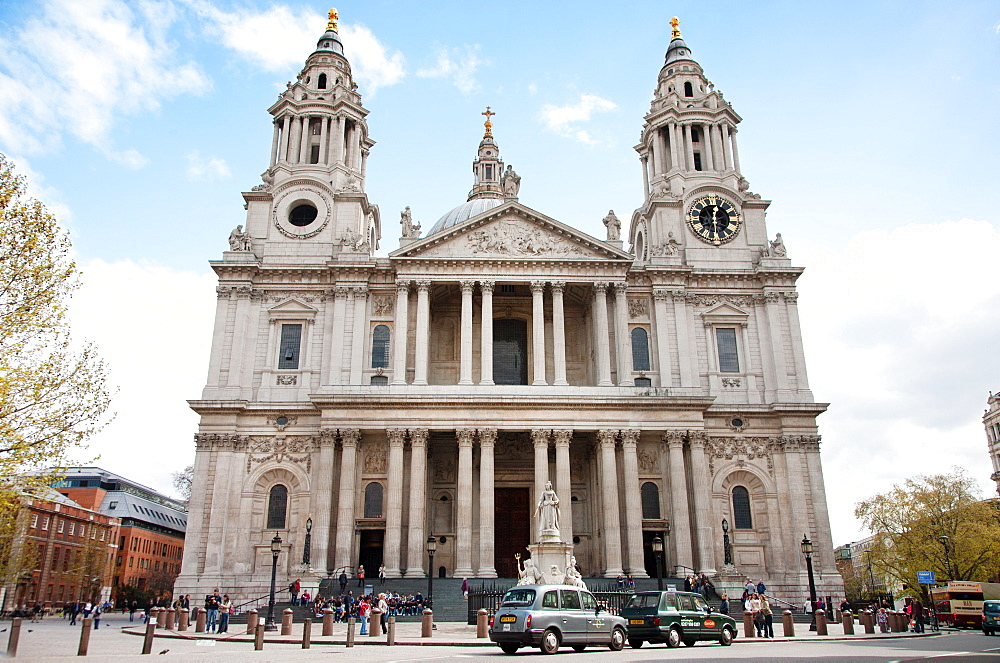 St. Paul's Cathedral entrance, London, England, United Kingdom, Europe - 377-3965