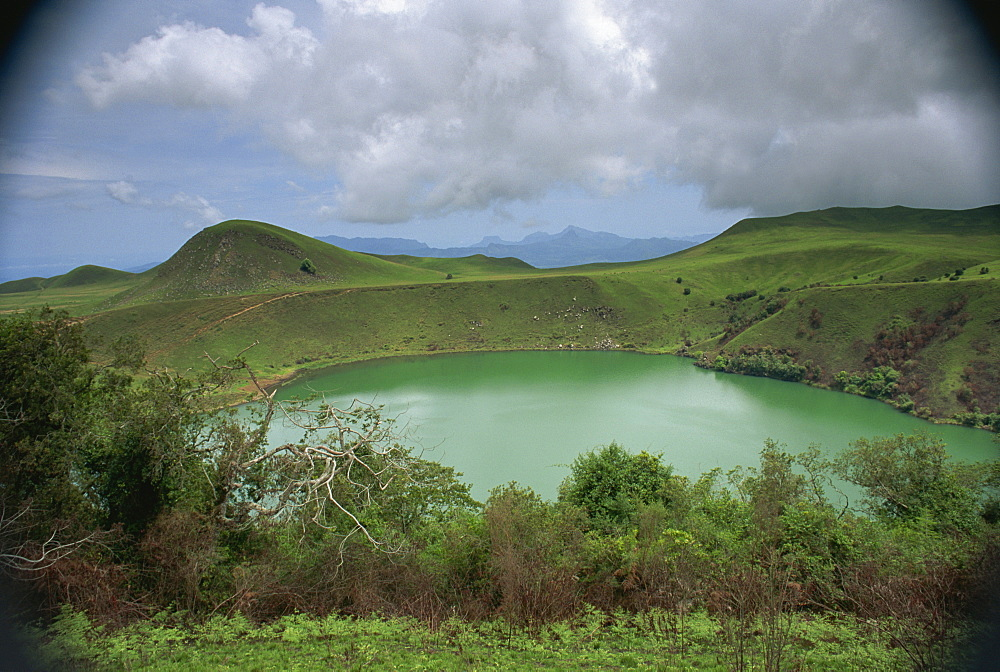 Crater lake at Manengouba, western area, Cameroon, West Africa, Africa - 382-224
