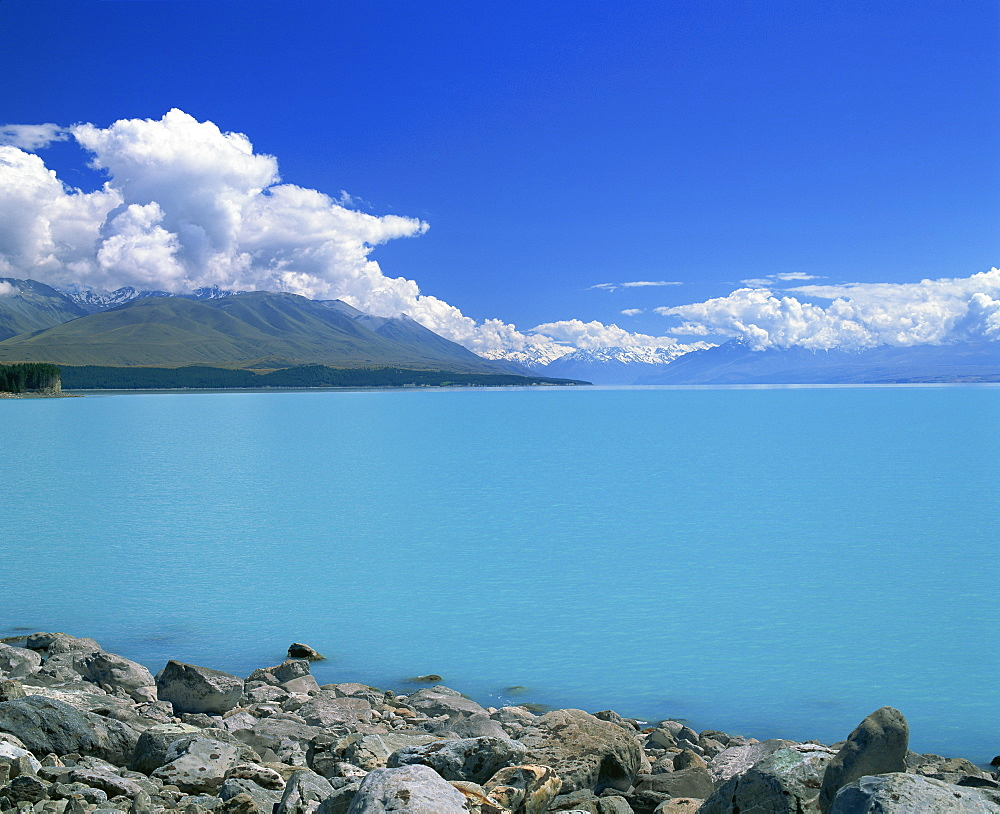 Turquoise blue glacial waters of Lake Tekapo in Canterbury, South Island, New Zealand, Pacific - 383-1804