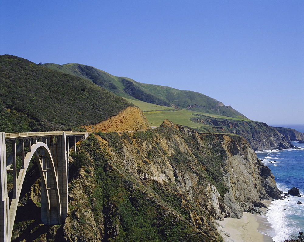 The coast and Bixby Bridge on the Pacific Highway, Route 1, California, USA - 383-279