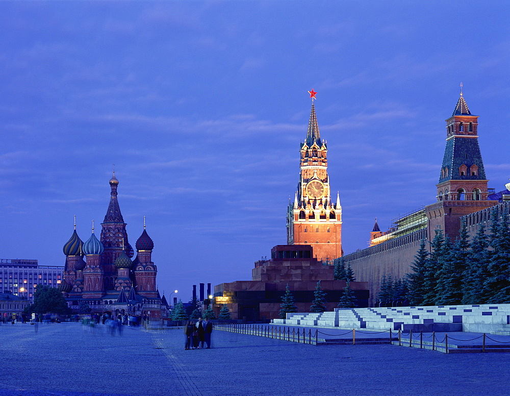 Lenin's Tomb, the Kremlin and St. Basil's Cathedral, Red Square, UNESCO World Heritage Site, Moscow, Russia, Europe - 383-668