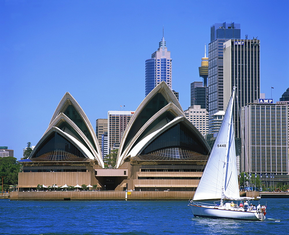 Yacht in Sydney Harbour before the Opera House, UNESCO World Heritage Site, Sydney, New South Wales, Australia