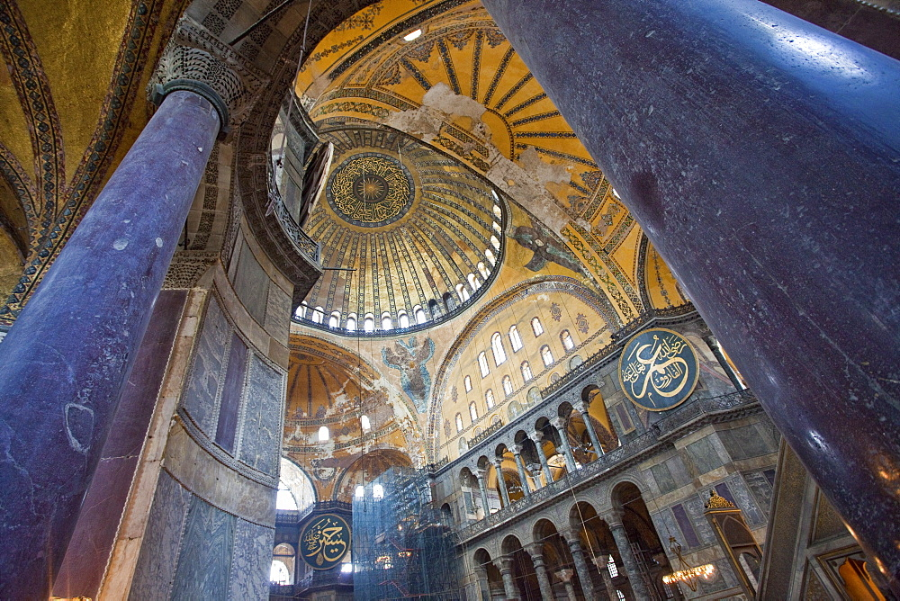 Byzantine architecture of Aya Sofya (Hagia Sophia), constructed as a church in the 6th century by Emperor Justinian, a mosque for years, now a museum, UNESCO World Heritage Site, Istanbul, Turkey, Europe - 385-1700