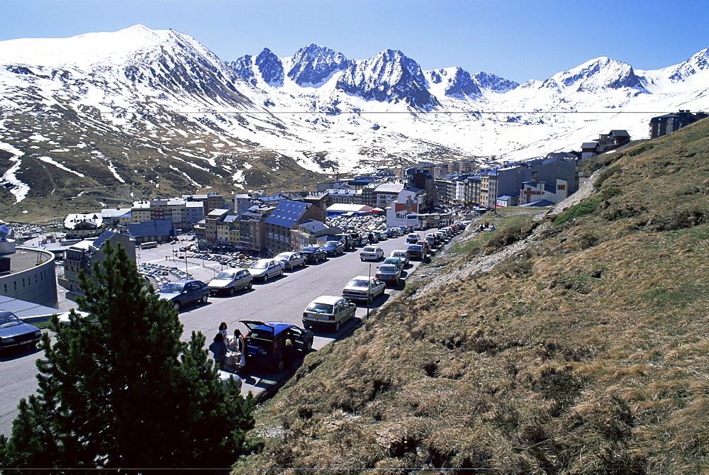 Ski resort on French border, Pas de la Casa, Andorra, Pyrenees, Europe