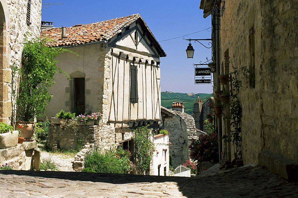 Pretty corner of the Ville Haute (upper town), Cordes-sur-Ciel, Tarn, Midi-Pyrenees, France, Europe