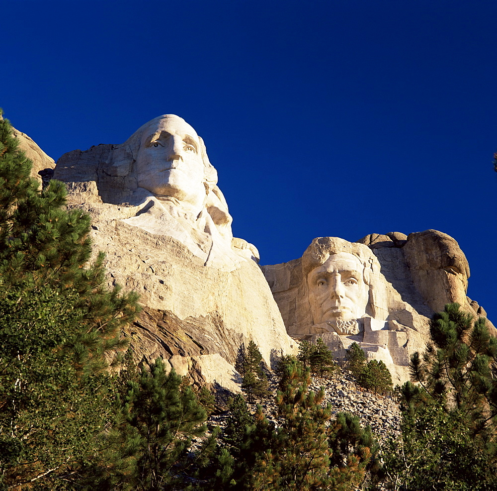Heads of Presidents Washington and Lincoln, Mount Rushmore National Memorial, Black Hills, South Dakota, United States of America, North America - 390-2520