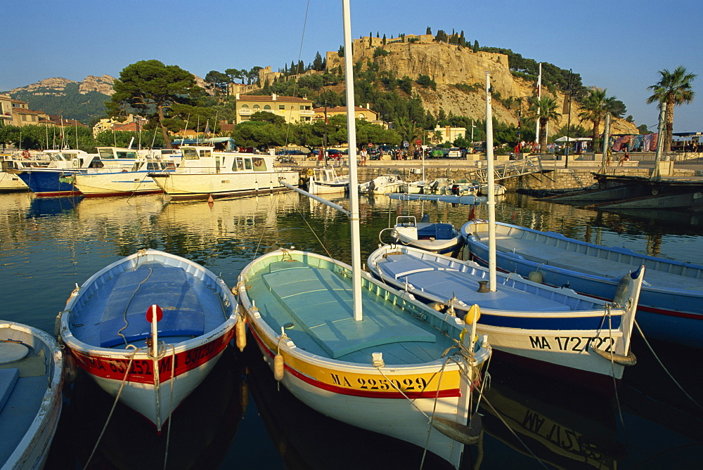 View across the harbour in the evening, Cassis, Bouches-du-Rhone, Cote d'Azur, Provence, France, Mediterranean, Europe
