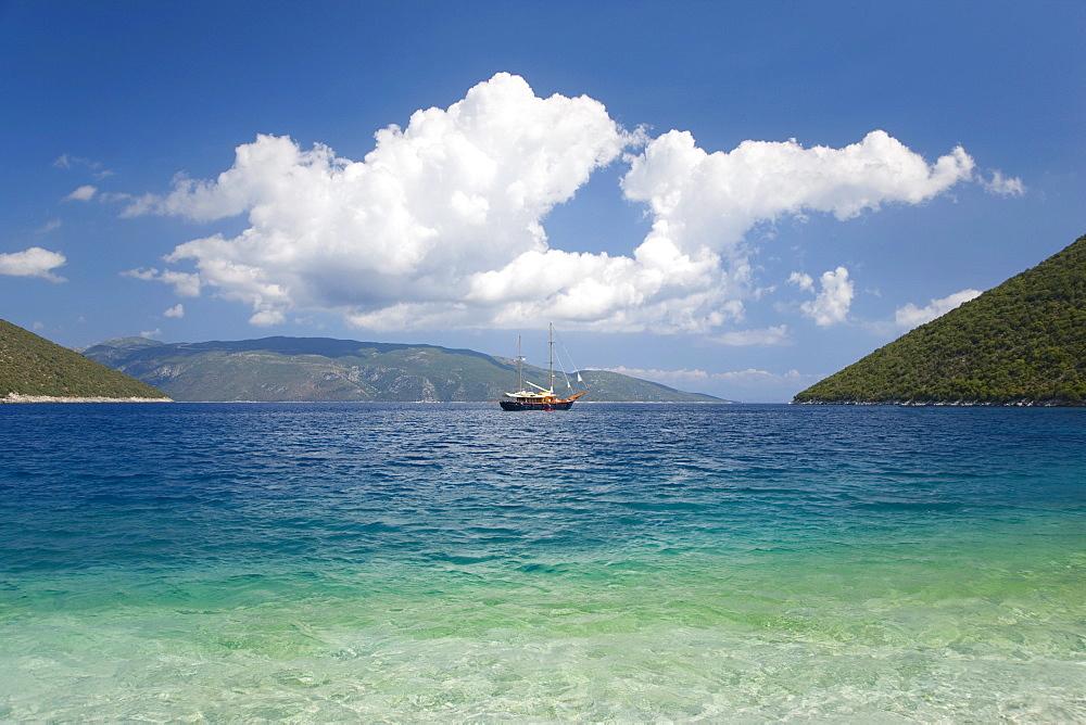 View across Antisamos Bay, Sami, Kefalonia (Kefallonia, Cephalonia), Ionian Islands, Greek Islands, Greece, Europe