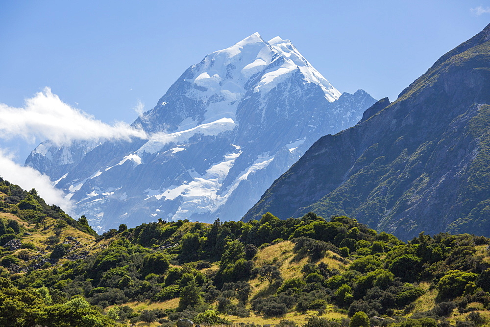 View to Aoraki (Mount Cook), Mount Cook Village, Aoraki (Mount Cook) National Park, UNESCO World Heritage Site, Mackenzie district, Canterbury, South Island, New Zealand, Pacific