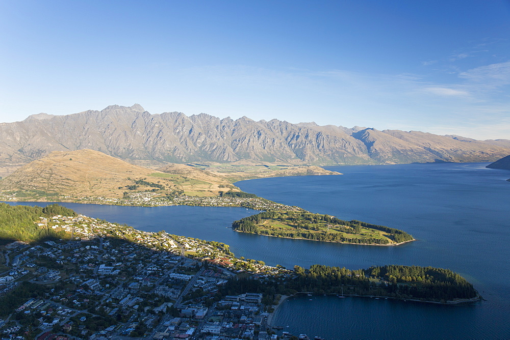 View over Lake Wakatipu to the Remarkables, sunset, Queenstown, Queenstown-Lakes district, Otago, South Island, New Zealand, Pacific