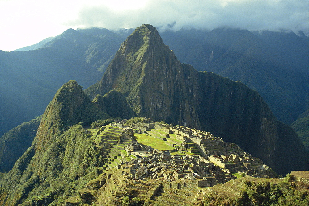 Machu Picchu, the lost city of the Incas, rediscovered in 1911, Peru, South America *** Local Caption ***