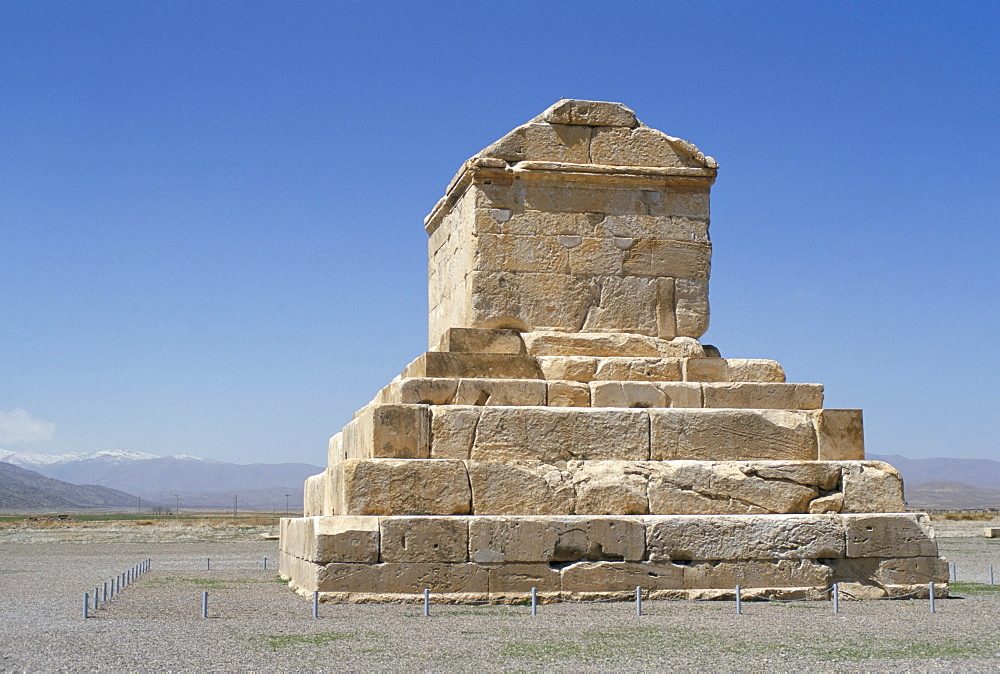 Achaemenian tomb of Cyrus II, 559-530 BC, on Murghab Plain, restored by Alexander the Great in 324 BC, Pasargadae, Iran, Middle East