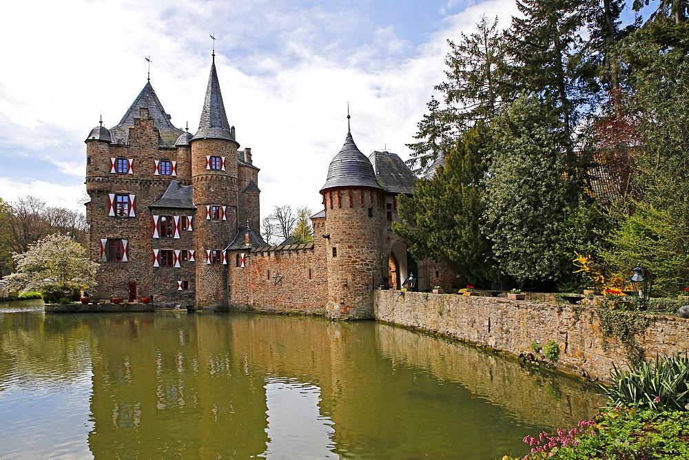 Satzvey Castle near Mechernich, Eifel, North Rhine-Westphalia, Germany
