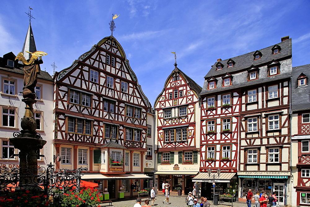 Market Square, Bermkastel-Kues, Moselle Valley, Rhineland-Palatinate, Germany, Europe