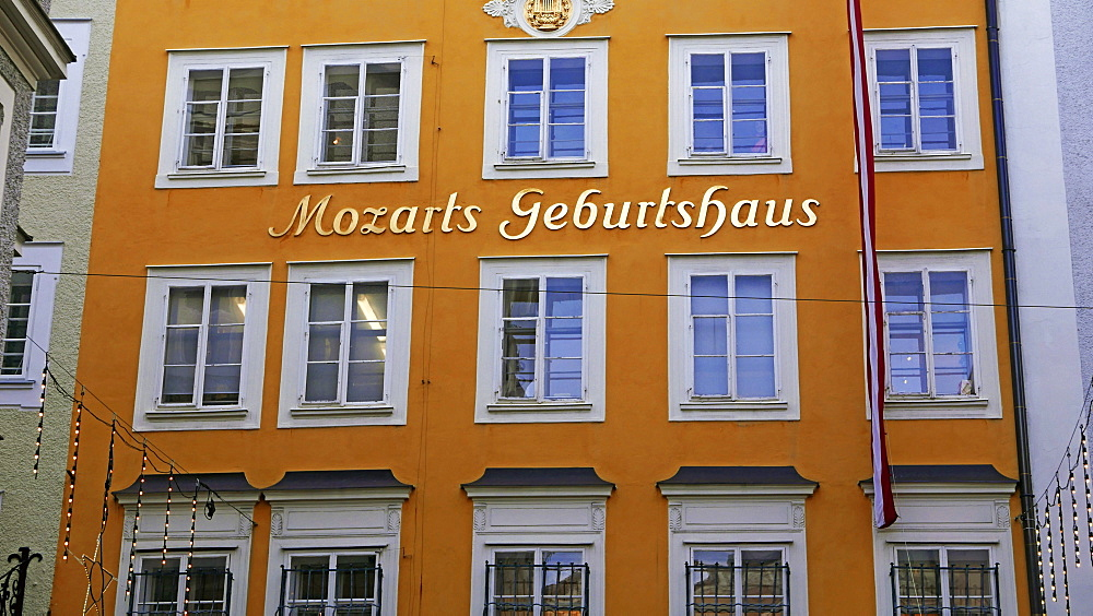 Birthplace of Mozart, Getriedegasse, Salzburg, Austria, Europe