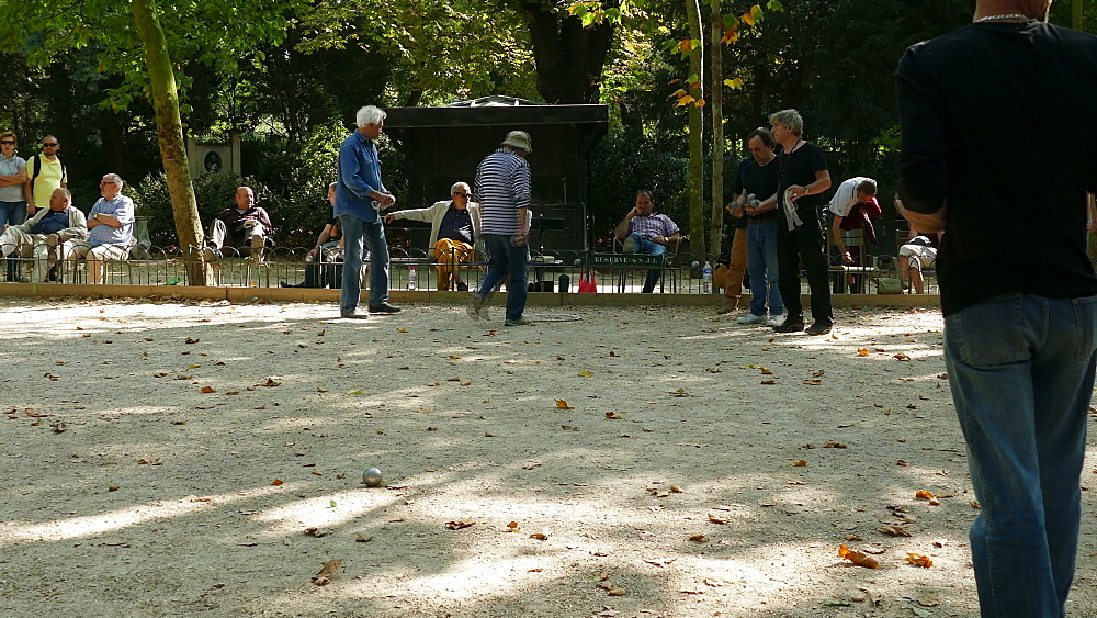 Boule player at Jardin du Luxembourg, Paris, France, Europe - 396-6005