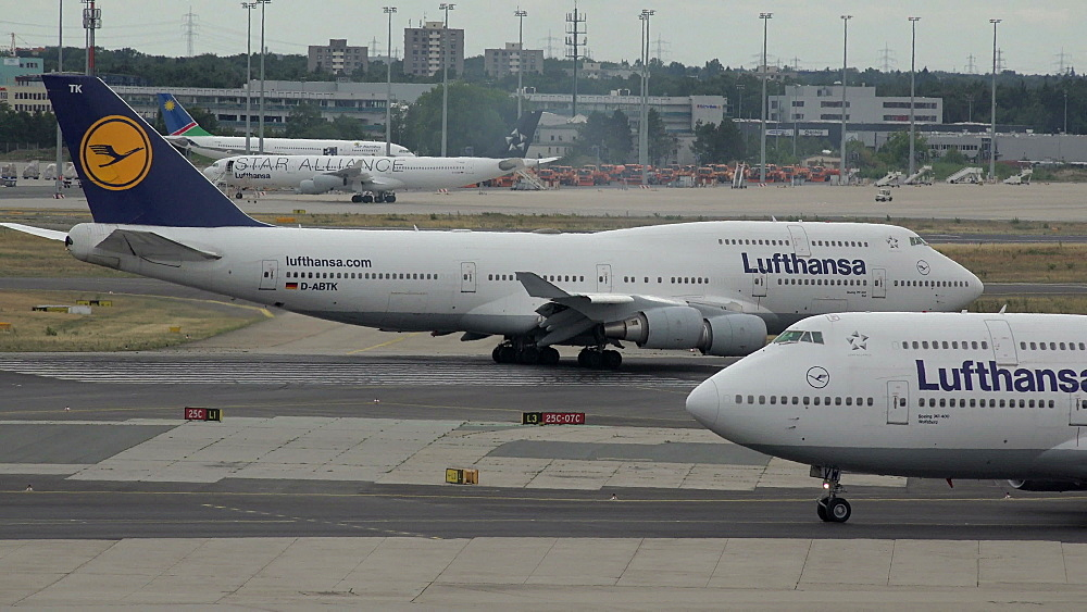 Lufthansa Boeing 745 jets at taxiway, Frankfurt Airport, Frankfurt am Main, Hesse, Germany