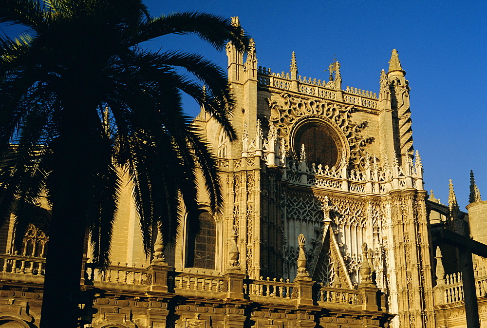 The south puerto (portal) of the Cathedral (1402-1506), Seville (Sevilla), Andalucia (Andalusia), Spain, Europe