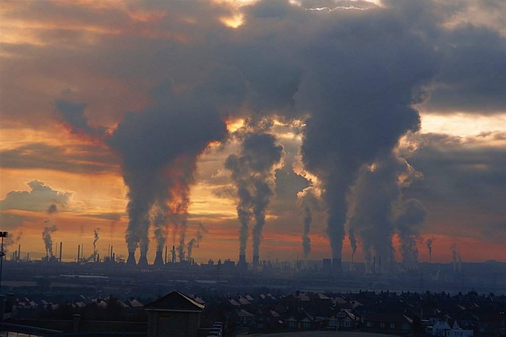 Pollution from the power stations and oil refineries, Grangemouth, Scotland, United Kingdom, Europe - 397-1244