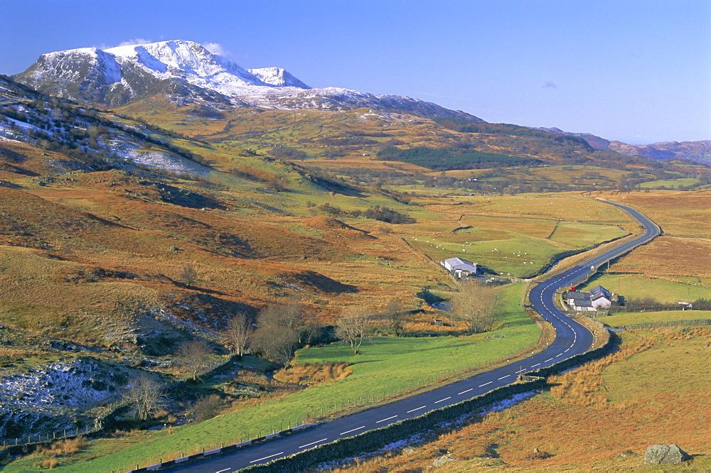 The Dinas Mawddwy to Dolgellau road, Snowdonia National Park, Gwynedd, Wales, UK, Europe