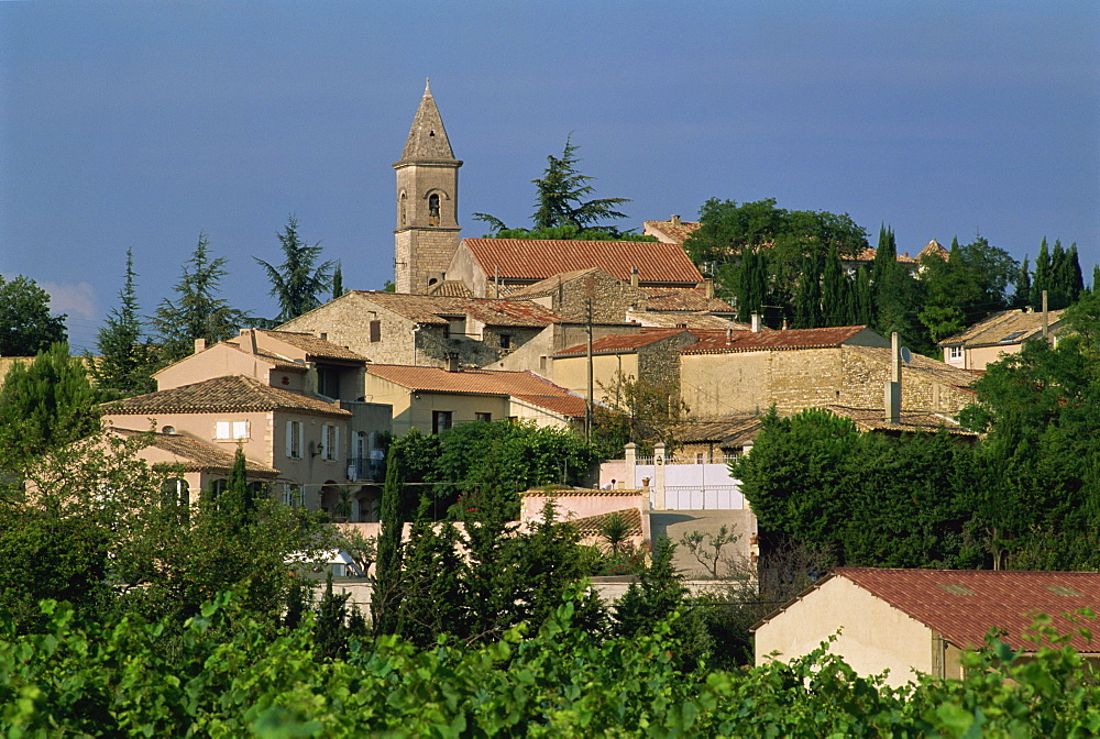 Village of Roaix in the wine producing region of Vaucluse, France, Europe - 397-2184