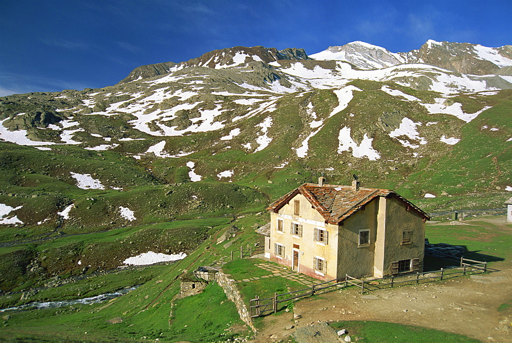 Vittorio Sella mountain hut in the Valnontey Valley in the Gran Paradiso National Park in the Valle d'Aosta, Italy, Europe