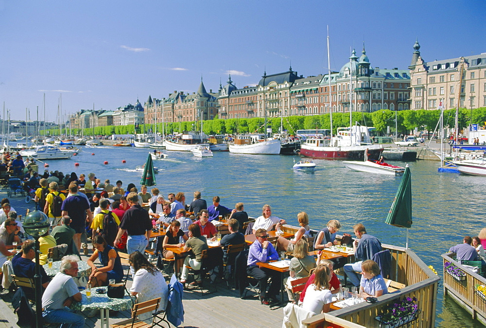The Strandvagen waterfront, restaurants and boats in the city centre, Stockholm, Sweden, Scandinavia, Europe