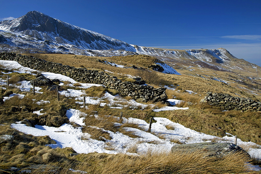 Summit of Cyfrwy on left, 811m, with ridge and summit of Gau Graig at far right, 683m, Snowdonia National Park, Wales, United Kingdom, Europe  - 397-2548